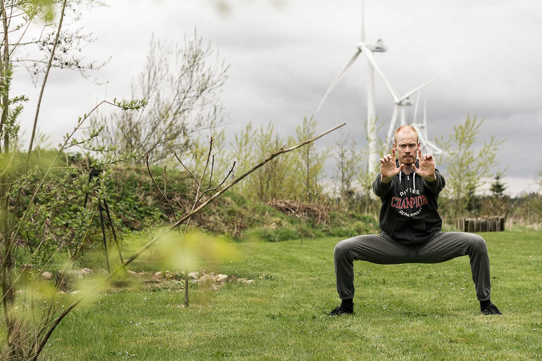 Peter Rosendahl træner udendørs i forbindelse med 1 måneds rygestop